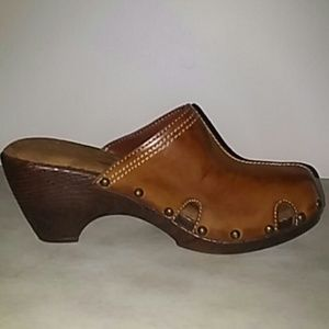 Bass Vegan Mules Clogs Brown 7M